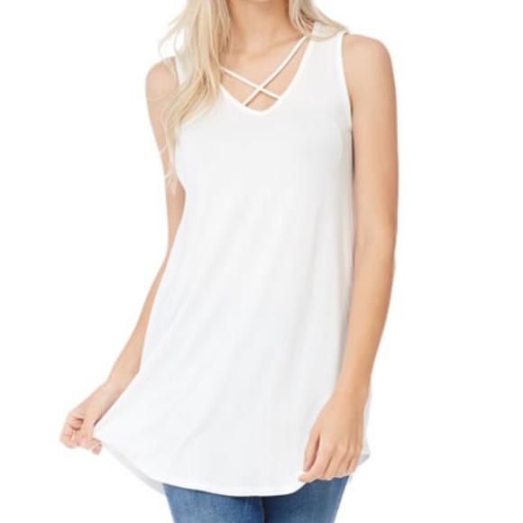 fb7971d56d9e49 White Sleeveless Tunic Top